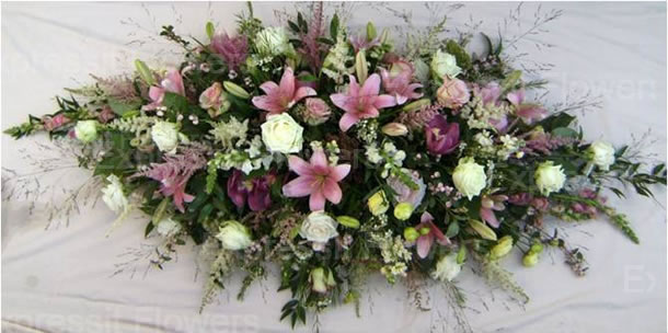 Funeral Flower Messages: What to Say